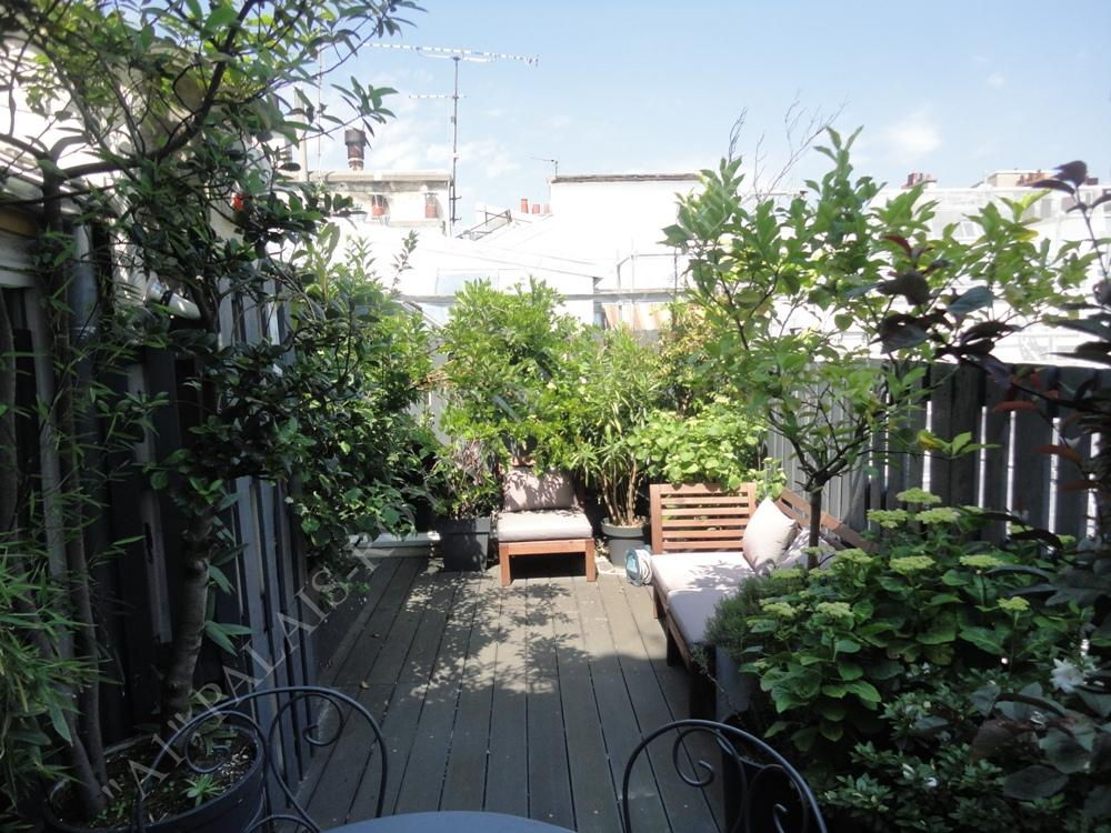 Louer appartement vide loft m tro tuileries for Location appartement atypique paris